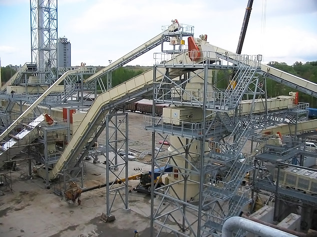 Transport conveyors, belt conveyors, bucket conveyors and sorting systems