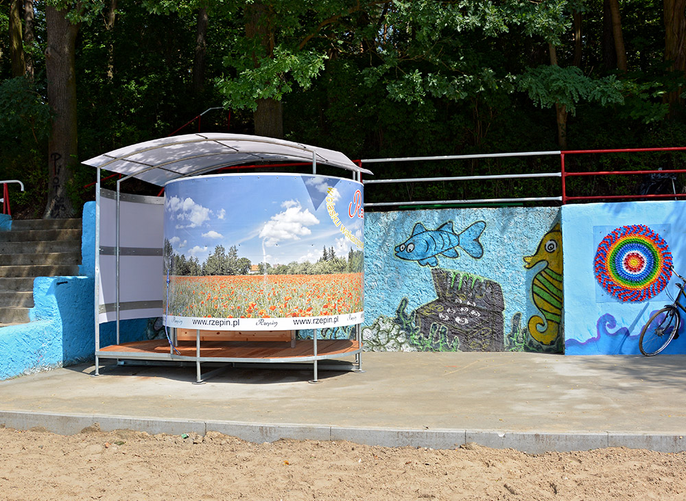 Beach changing room, Rzepin